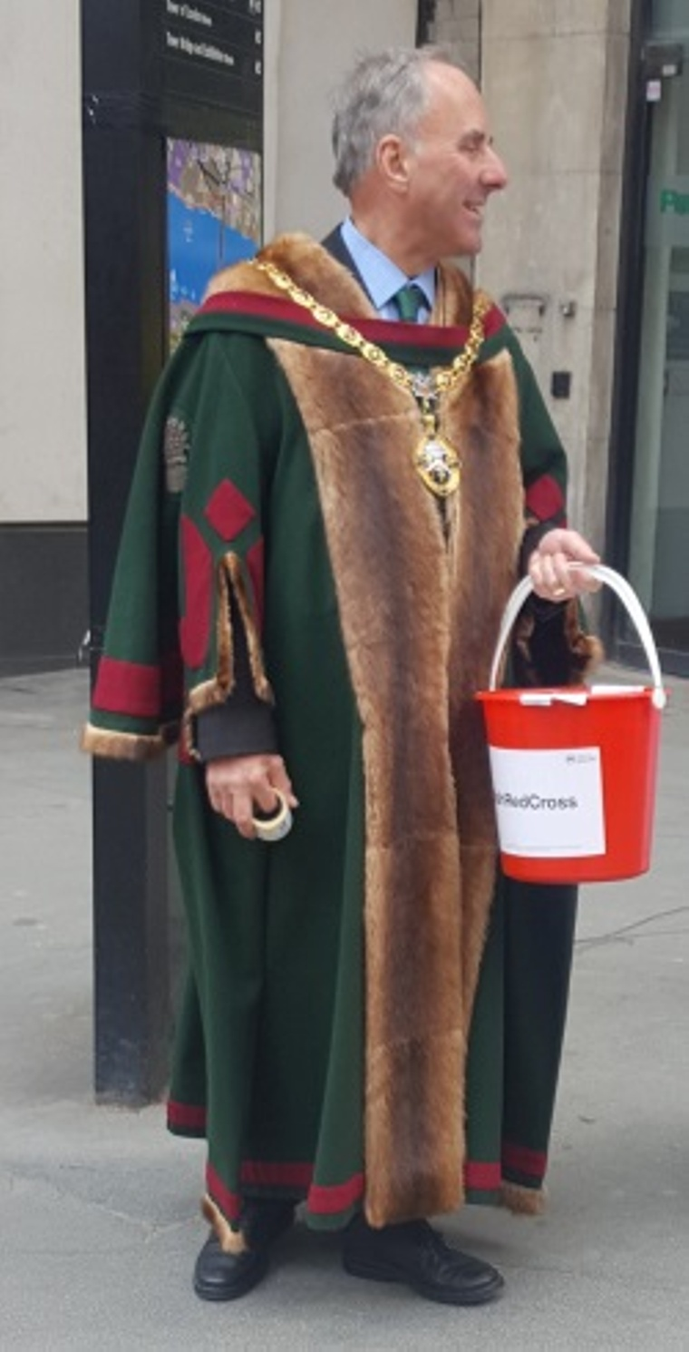 The Master collecting money for the Red Cross