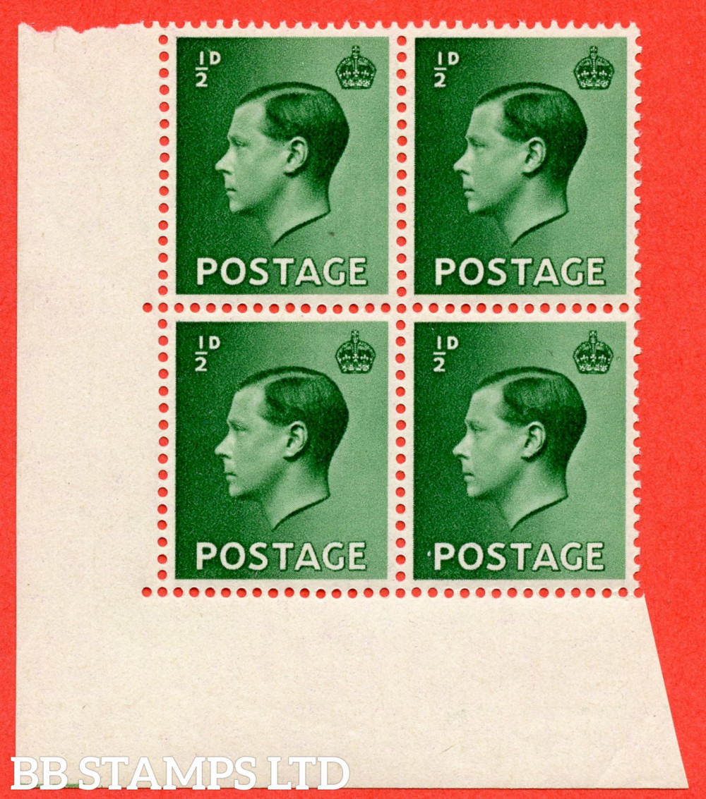 """SG. 457. P1 b. ½d Green. A fine UNMOUNTED MINT ( mounted in the margin only ) bottom left hand corner marginal block of 4 with listed variety """" Pearl beside crown """" Row 20/2."""