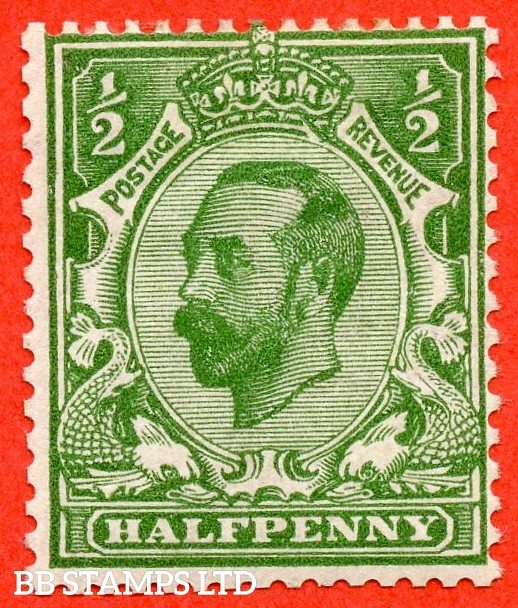 "SG. 325. N2 (1) d. ½d bright green. A mounted mint example clearly showing the listed variety "" Gash in crown ( row 1/1 of booklet pane) "". A scarce variety."