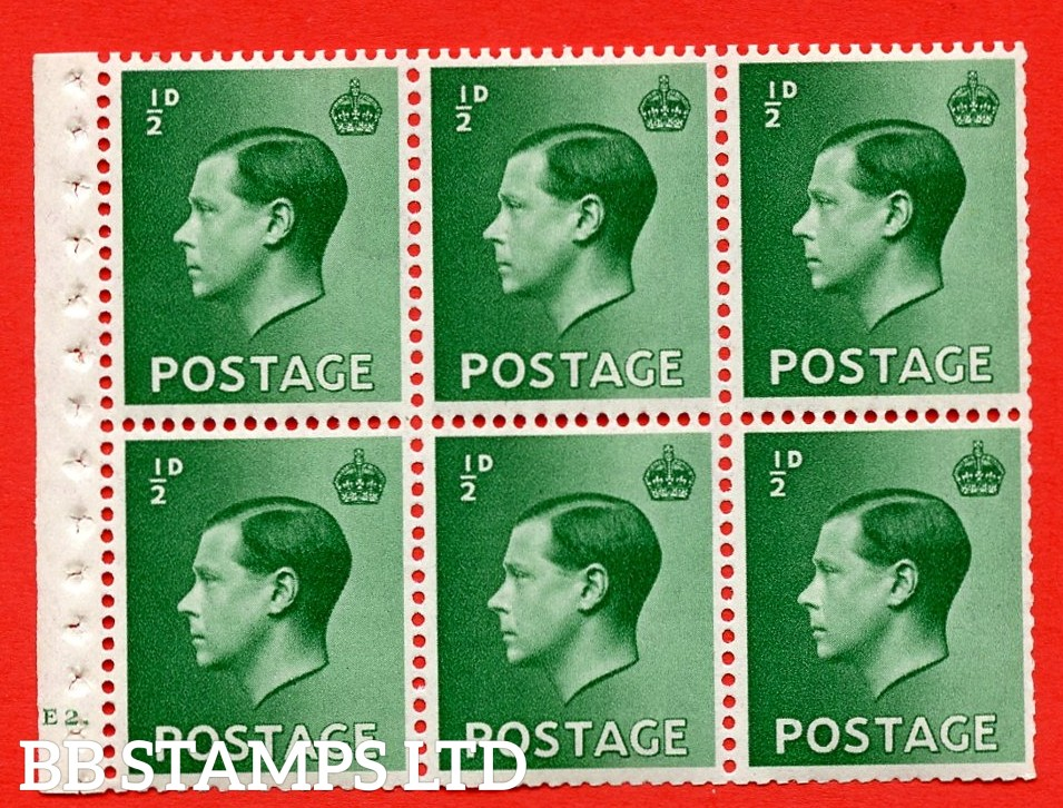 SG. 457 b. PB1. ½d green. A fine UNMOUNTED MINT booklet pane of 6. Cylinder E2 dot  Perf type ' B4A(I) '. Trimmed perfs.