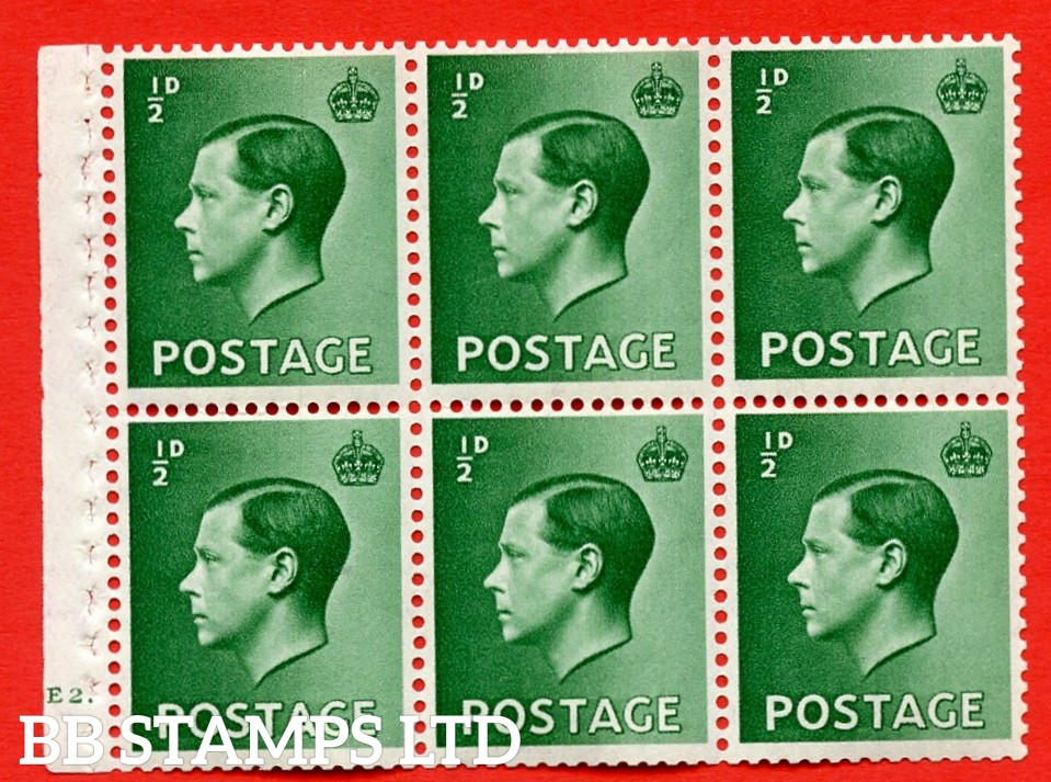 SG. 457 b. PB1. ½d green. A fine UNMOUNTED MINT booklet pane of 6. Cylinder E2 dot  Perf type ' B4A(I) '. Good perfs.