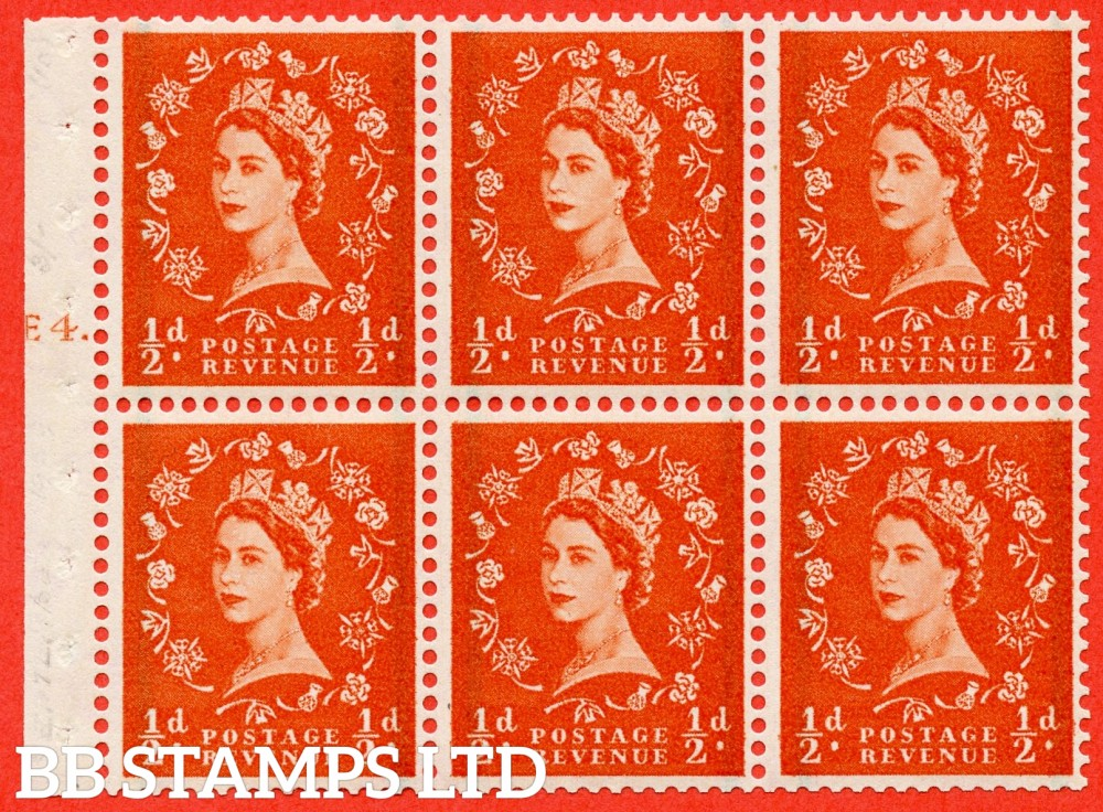 "SG. 587. SB14. ½d Orange Red. A fine UNMOUNTED MINT cylinder "" E4 T dot "" booklet pane of 6. Perf type (Iet) with GOOD PERFS. Smooth edge."