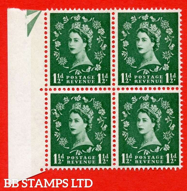 SG. 612. S34f. 1½d Green. A superb UNMOUNTED MINT example. Left marginal positional block of 4. From cylinder 22 dot. Blue phosphor white paper. With a thistle flaws ERROR. R.12/1 variety.