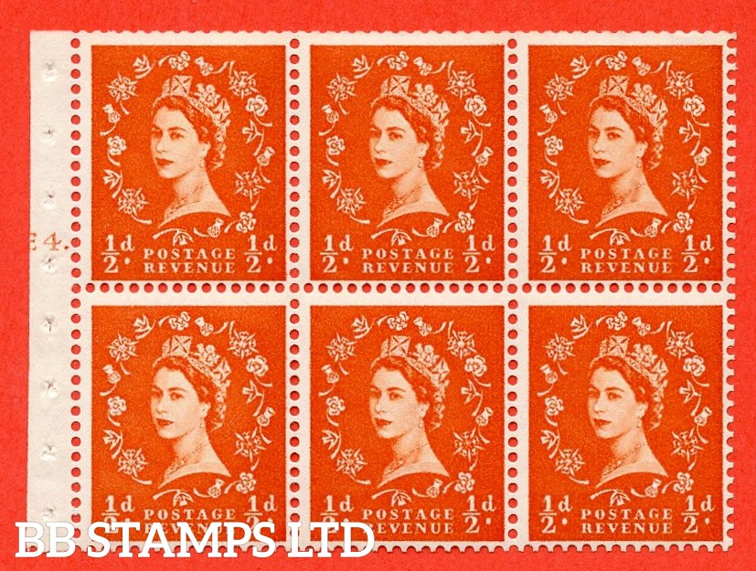 """SG. 540. SB4. ½d orange - red. A fine UNMOUNTED MINT cylinder """" E4 T dot """" booklet pane of 6. Perf type (Ieb) with TRIMMED PERFS. Smooth edge."""