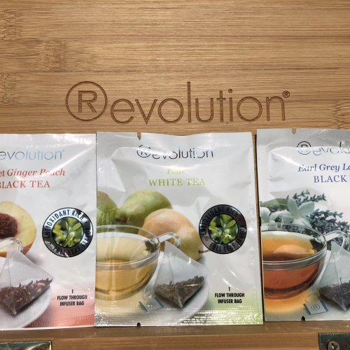 3 flavours of black and white teas, including Earl Grey, English Breakfast and Sweet Ginger