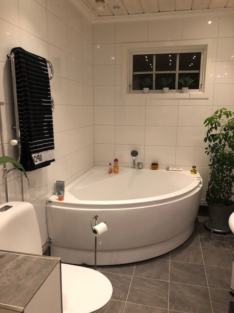 Badrumsrenovering Kristinehamn, Bygga badrum Kristinehamn, Nytt badrum Kristinehamn, Byta badrum, Renovera badrum Karlstad bild