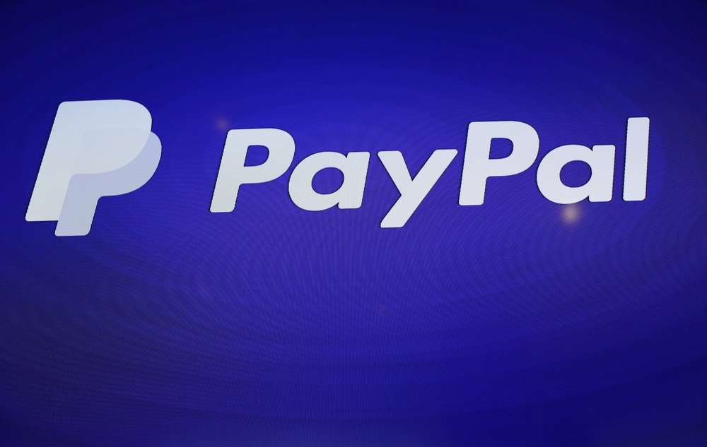 FILE PHOTO: The PayPal logo is seen during an event at Terra Gallery in San Francisco, California May 21, 2015. REUTERS/Robert Galbraith
