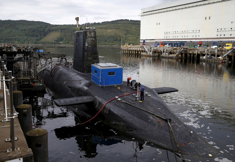 A nuclear submarine is seen at the Royal Navy's submarine base at Faslane, Scotland, Britain August 31, 2015. REUTERS/Russell Cheyne