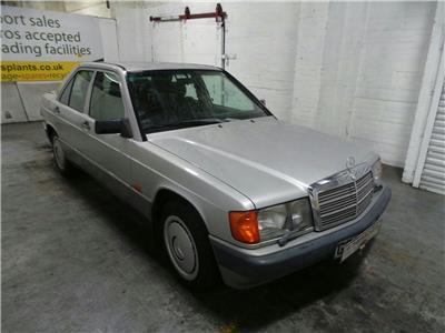 1989 MERCEDES-BENZ 190 190E