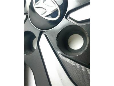 wheel trim damaged but alloy good. 52910-G2100 6.0J x 15 offset 46