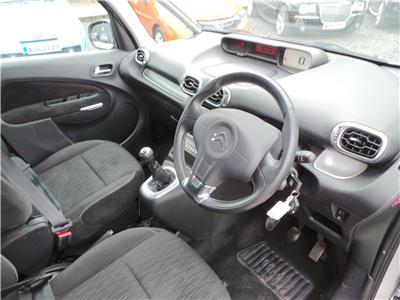 2011 Citroen C3 Exclusive HDi 1560 Diesel Manual 5 Speed M.P.V.