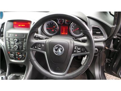 2011 Vauxhall Astra Elite 1598 Petrol Manual 5 Speed 5 Door Hatchback