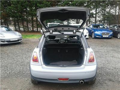 2006 MINI Mini Cooper 1598 Petrol Manual 6 Speed 3 Door Hatchback