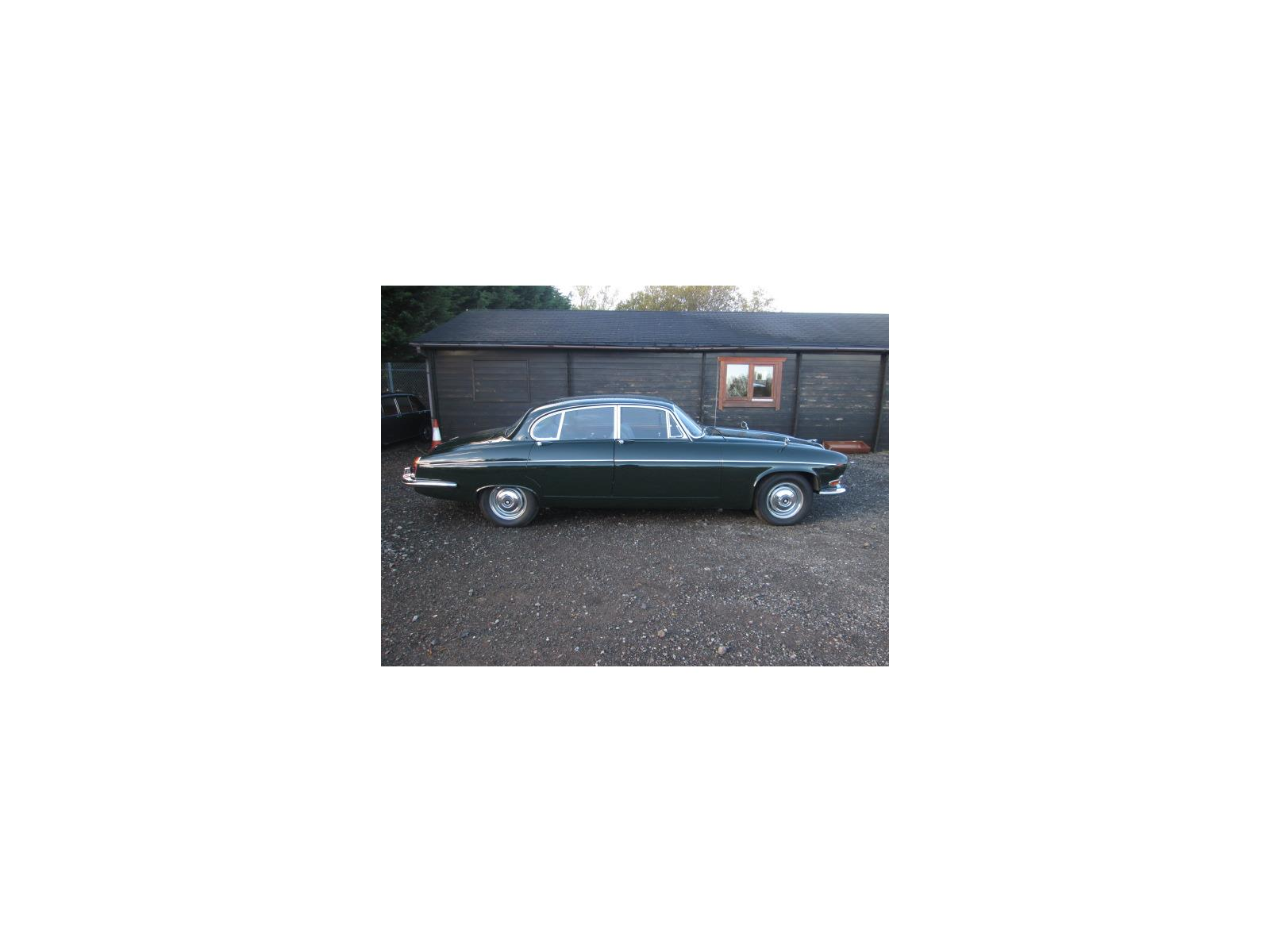 JAGUAR 4 DOOR SALOON