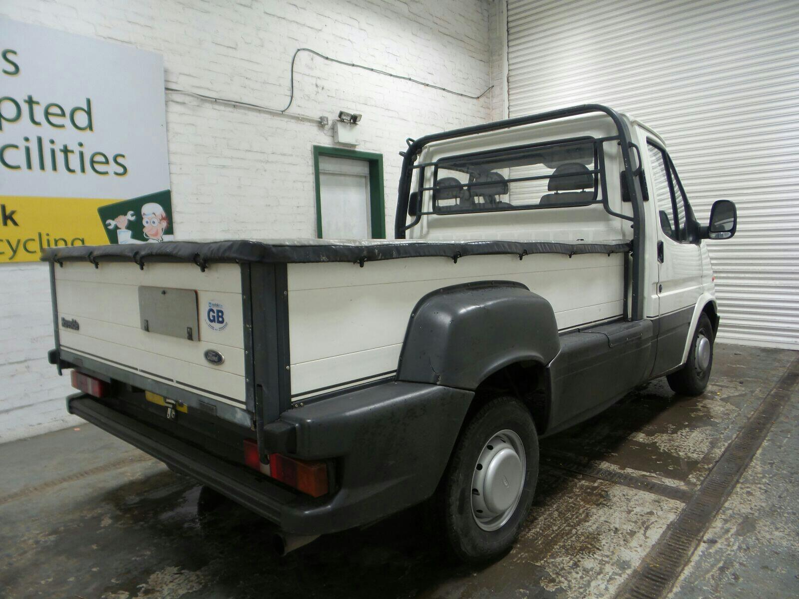 FORD 2 DOOR CHASSIS CAB