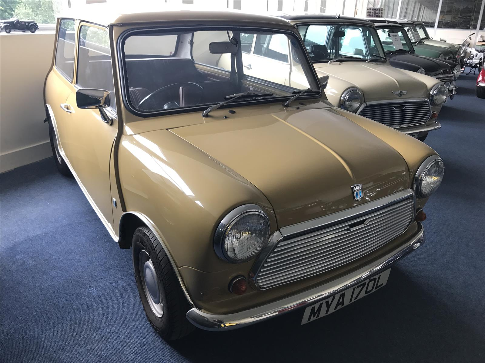 1972 MORRIS MINI 1000 2 DOOR SALOON