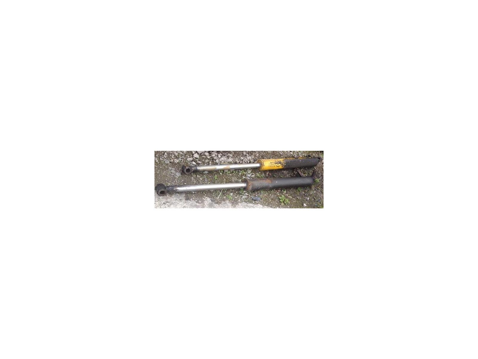 2 X HYDRAULIC RAMS Excavator