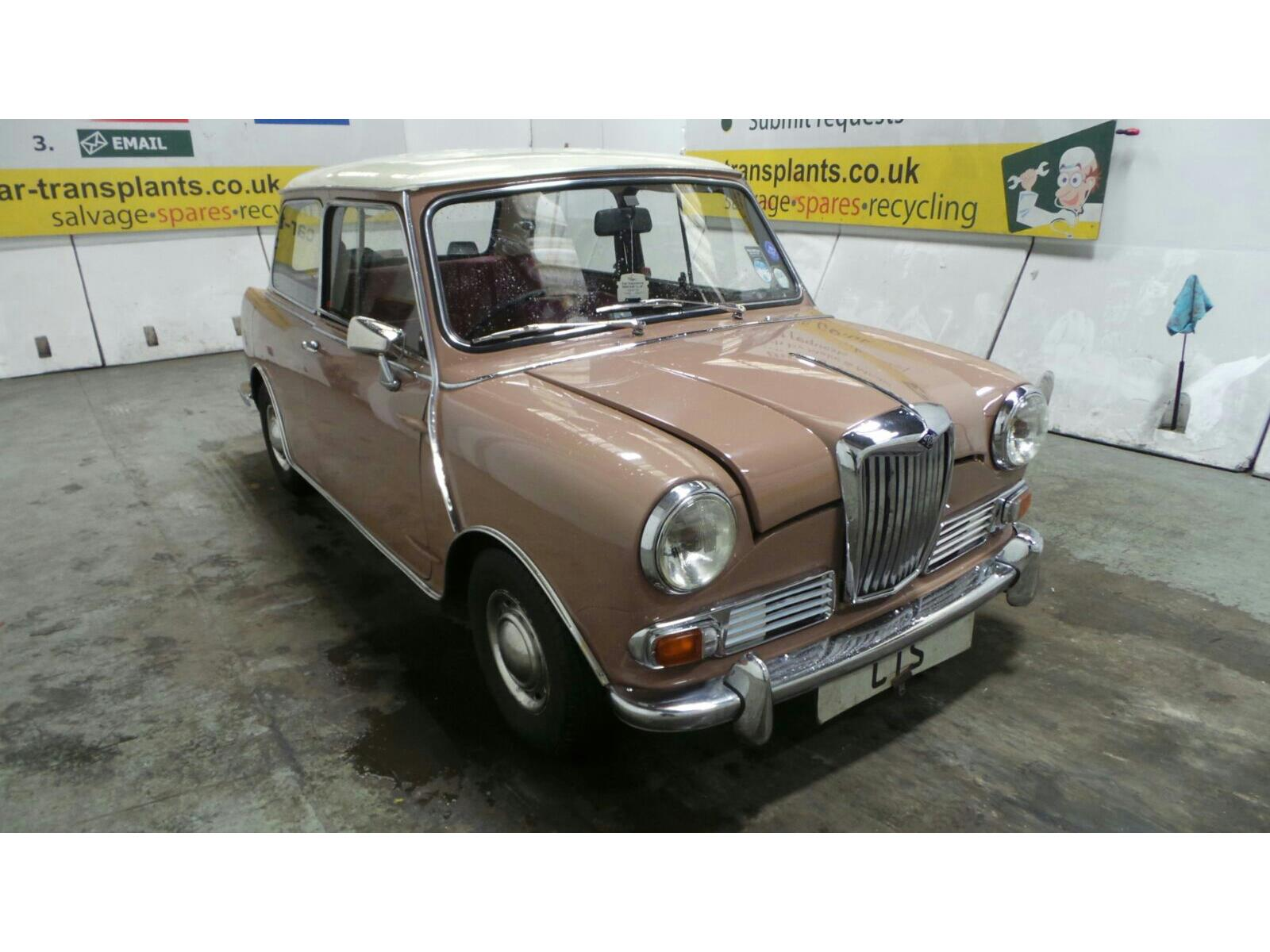 1966 RILEY ELF 1000 2 DOOR SALOON