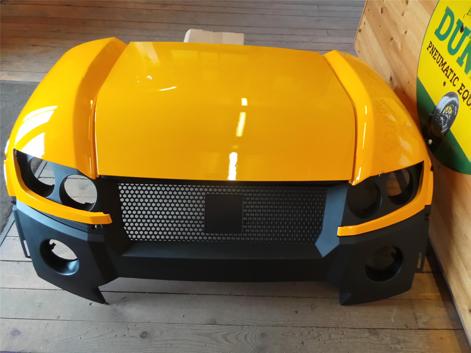 OTHER BRITISH YELLOW BODY KIT TO SUIT JCB