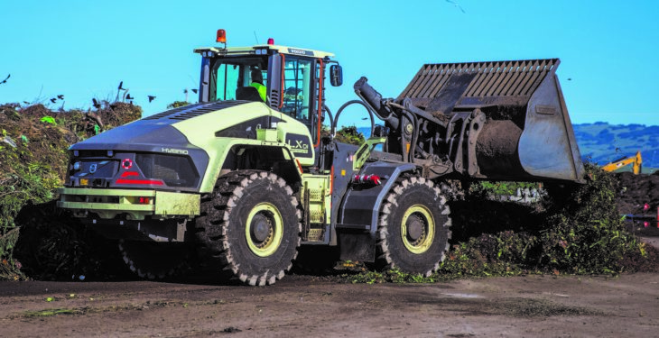 Volvo hybrid loading shovel 'boosts fuel efficiency by 50%'