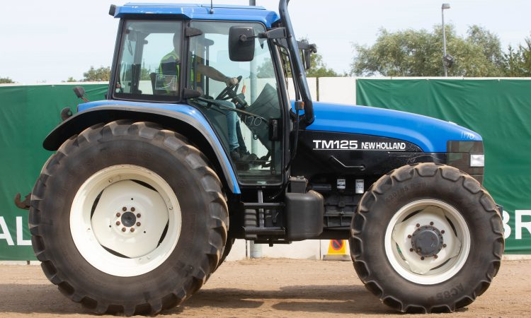 Auction report: Ford / New Holland highlights from monster tractor sale