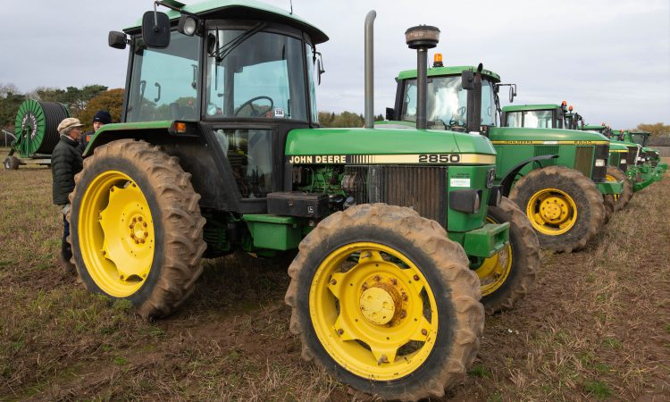 Auction report: Brisk bids for 'classic' and modern (on-farm) tractors