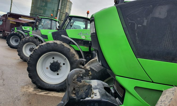 Auction report: Fleet of Deutz-Fahr tractors offered for sale in Co. Meath [updated]