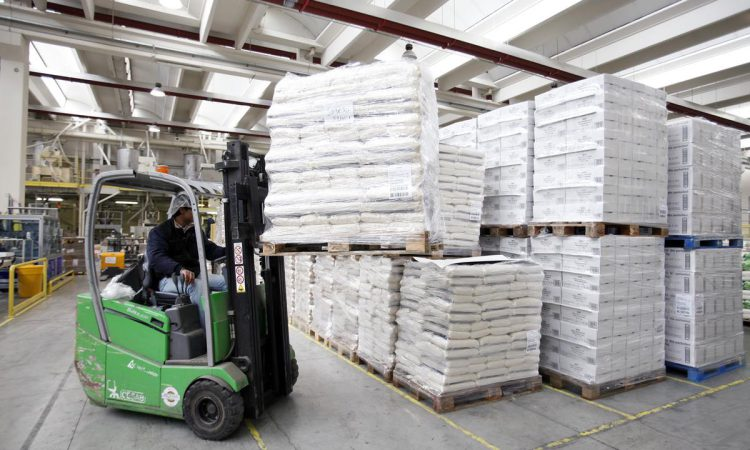 GDT drops again in latest auction as powders take a hit