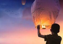 Coalition pushes for national sky lantern ban