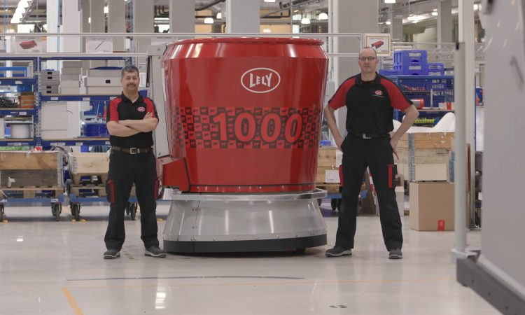Lely produces 1,000th Vector automatic feeding system