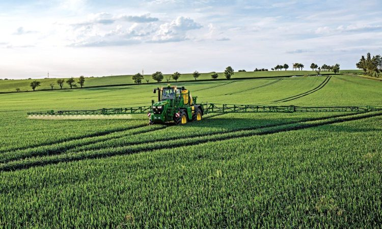 John Deere reveals precision agriculture partnership with Solorrow