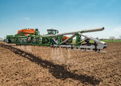 Amazone, Bosche and BASF reduce herbicide use by 90% with new sprayer technology