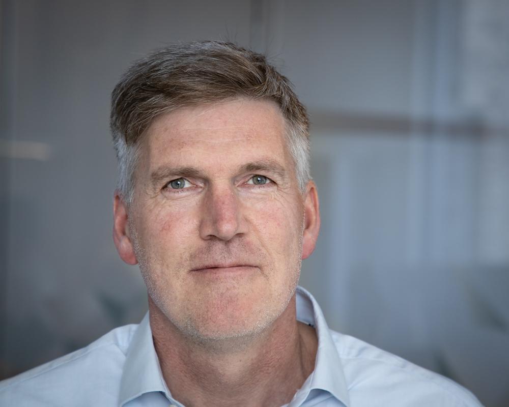STORE MULIGHETER: – Hos oss får du mulighet til å utvikle deg faglig på noen av de største og mest komplekse ingeniørutfordringene vi har rundt i hele landet, sier avdelingssjef for bygninger i COWI Bodø, Claus Mellingen.
