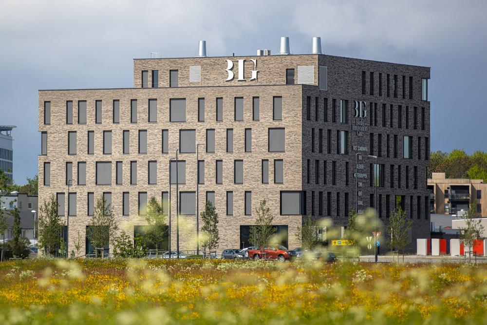 MILJØBYGGET: Cowi har kontorer i BREEAM Exellent-bygget «Bodø Innovation Gate» – et av de mest moderne og miljøsmarte kontorbyggene i Nord-Norge.
