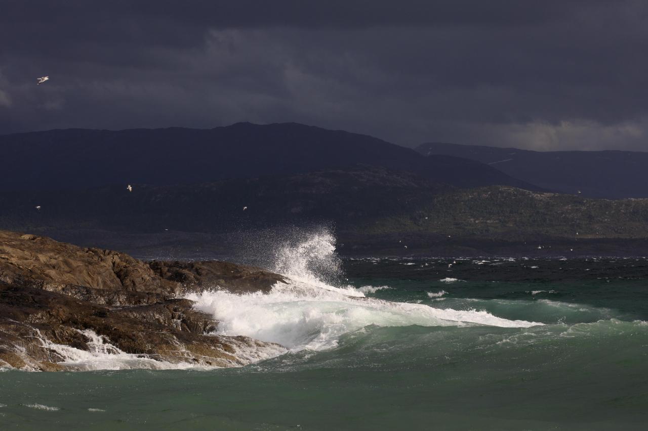 På onsdag er det meldt høye bølger. Dette bildet er kun ment for illustrasjon. Foto: Marion Klette