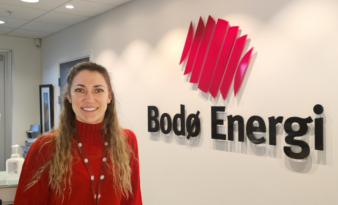 FLEKSIBEL BETALINGSORDNING: – Bodø Energi tilbyr ulike betalingsløsninger for elbillader og montering, sier Salgs- og markedsleder Svetlana Hansen.