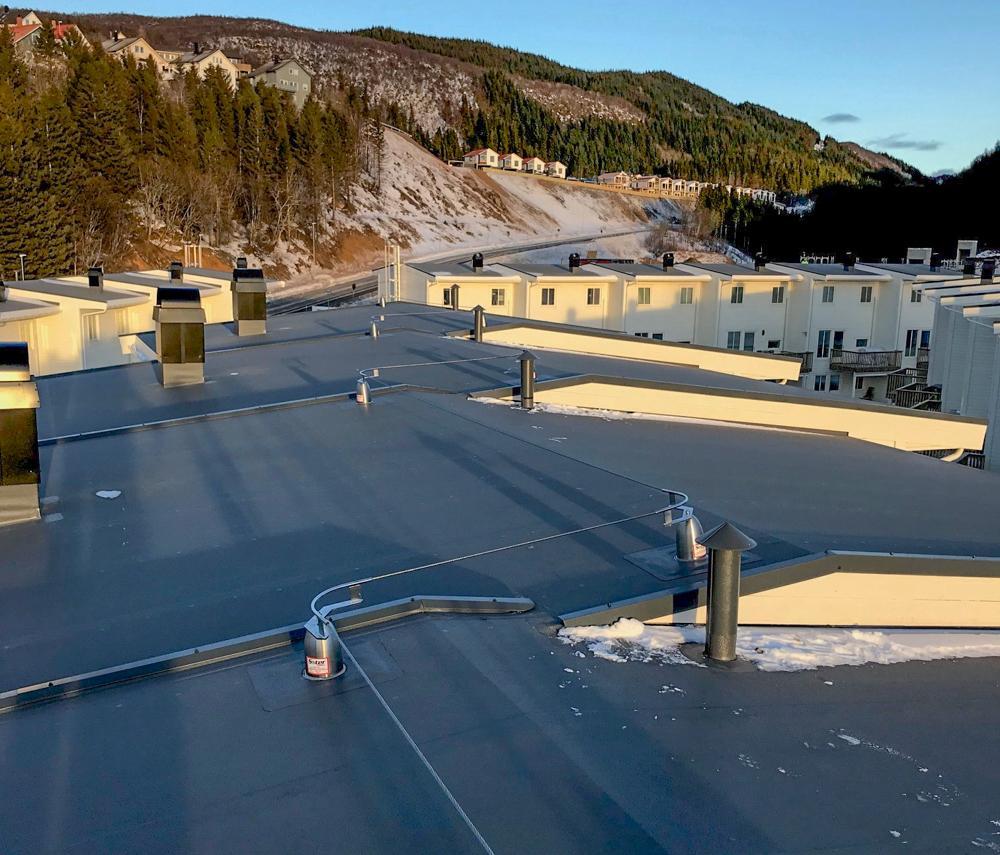 SKREDDERSØM: Protan leverer taksikring for alle typer bygg. Her skreddersydde løsninger for Jensvolldalen boligfelt.