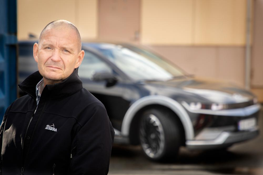 EN HELT NY HVERDAG: Ioniq 5 har skapt en helt ny hverdag for Jan Helge Dahl: – Nå er det sånn at du gleder deg til å kjøre bil.