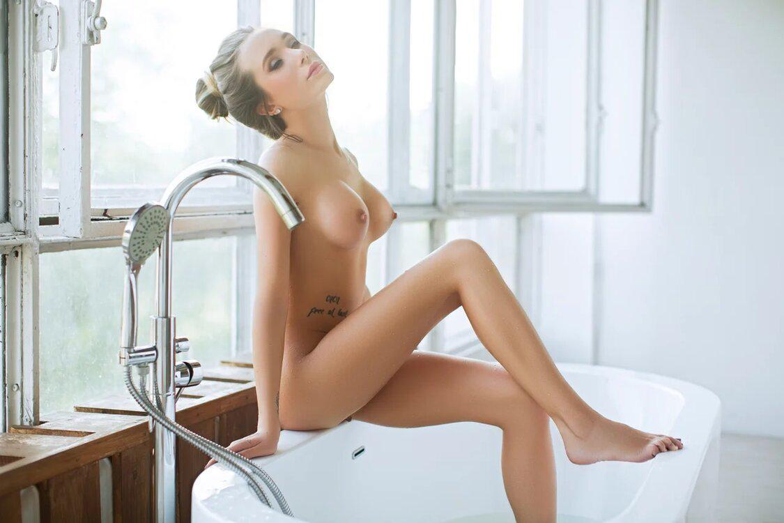 Sensual Anita Lux