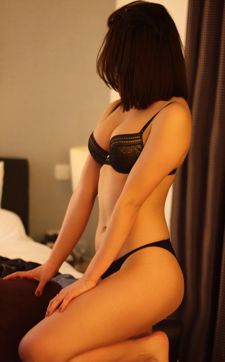 Hannah from Deluxe Birmingham Escorts