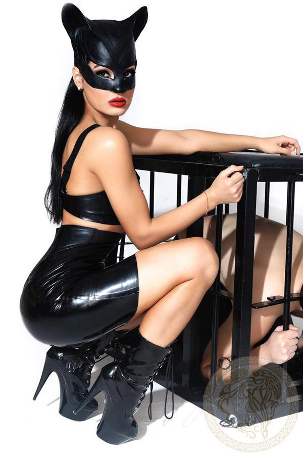 Mistress Akyra from Harlingtons Escorts