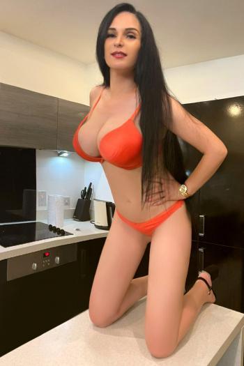 Sandra from Escort Selection