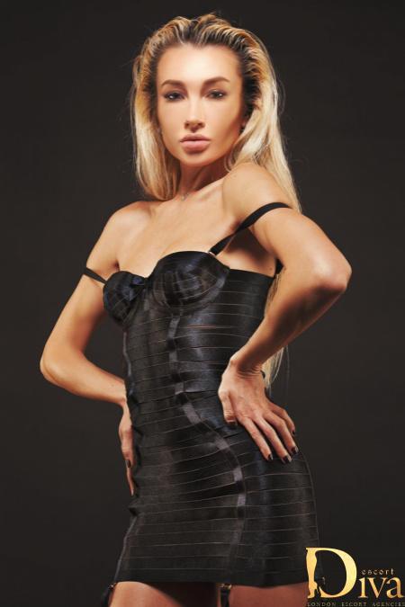 Elle from Diva