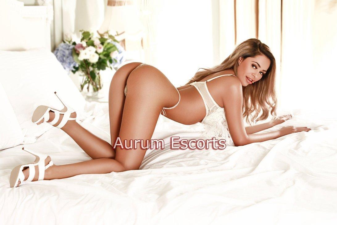 Tia from Aurum Girls Escorts