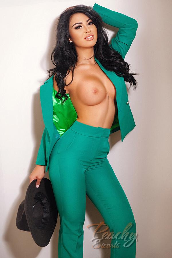 Miley from Peachy Escorts