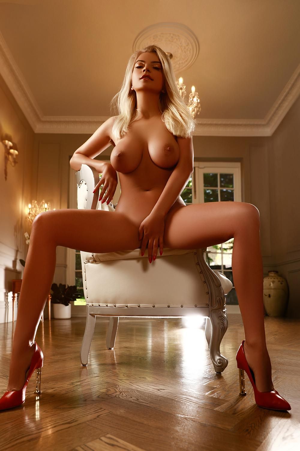 Raisa from Pure Tantric Massage London