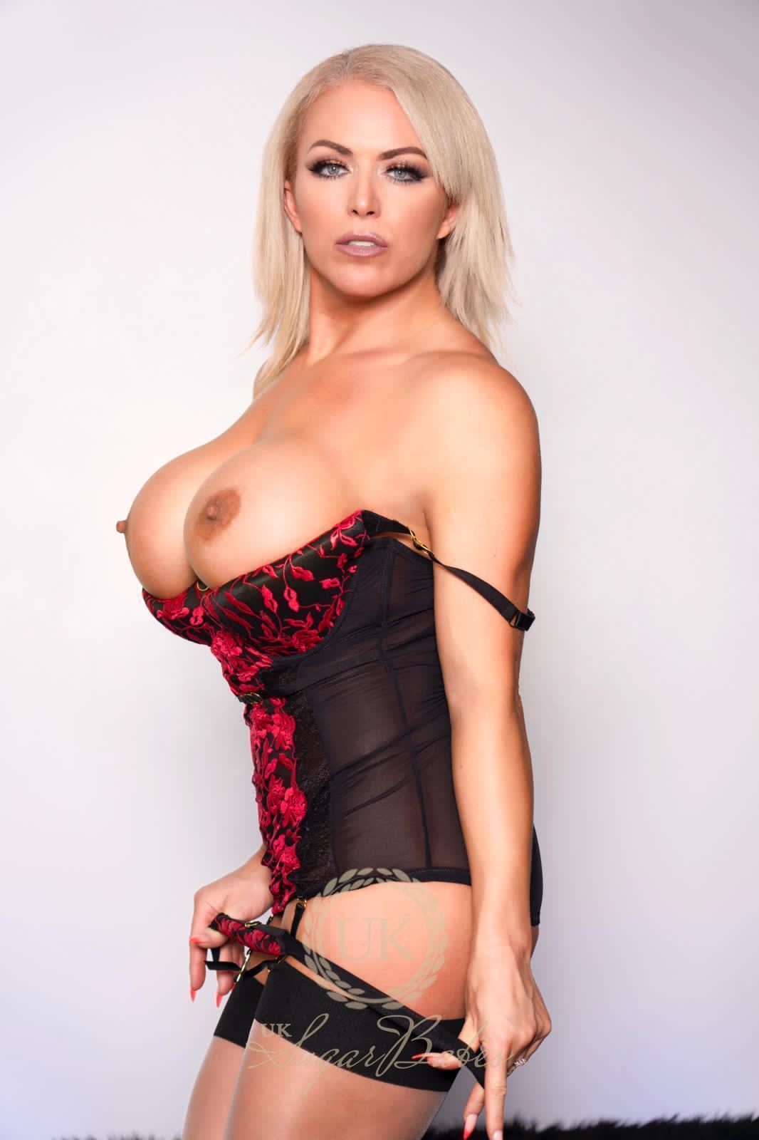 Rebecca Smythe from UK Sugar Babes