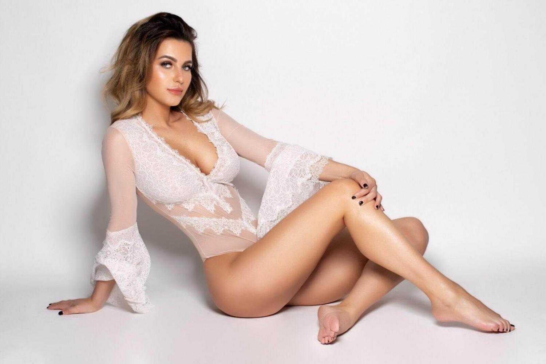 Ranya from London City Models