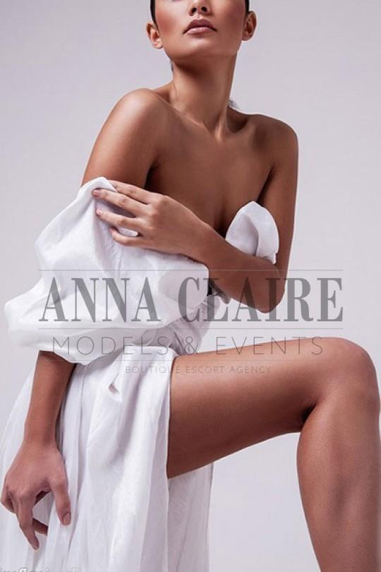 Alexandra from Anna Claire