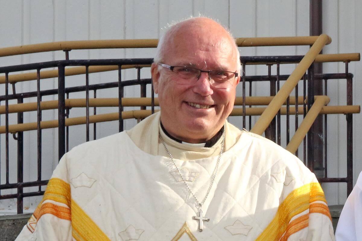 Paul Skuland er vikarierende sokneprest i Flatanger, og skal lede gudstjensten.